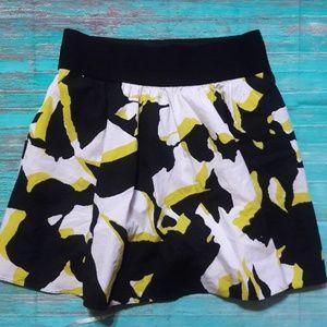 Express Sz Medium Pull On A-line Skirt